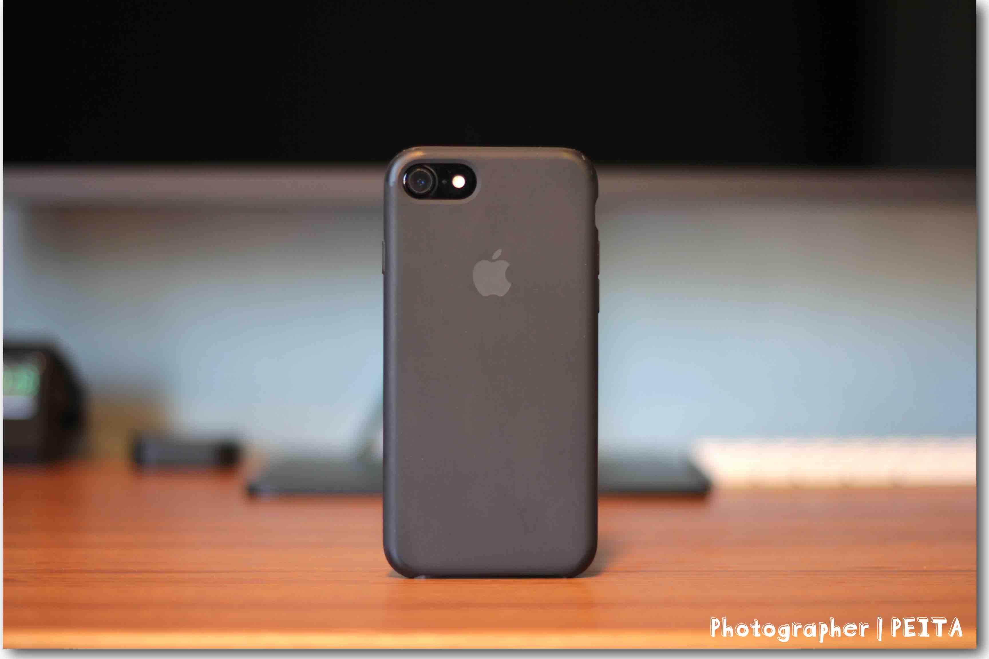iPhone7のApple純正ケースの写真