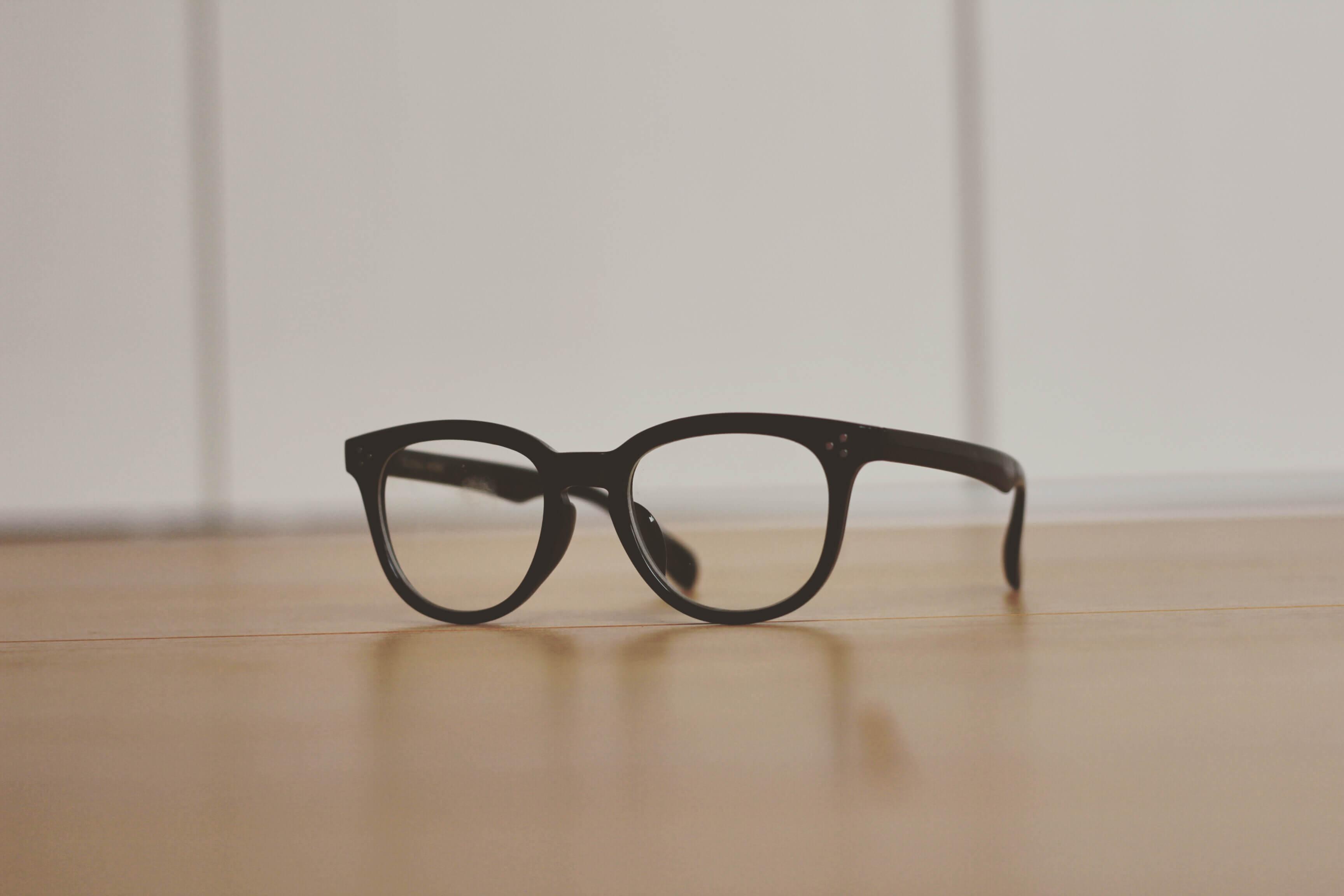GLOBAL WORKのメガネの写真