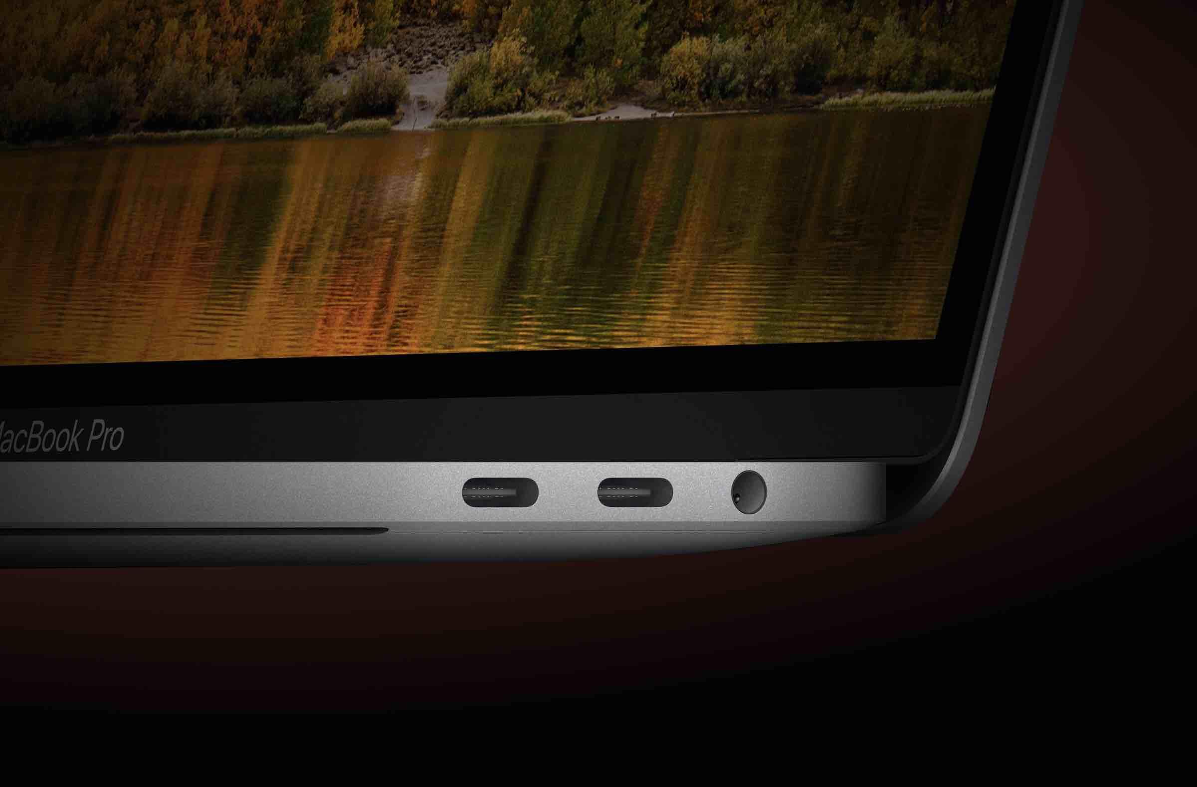 MacBookpro USBtype-Cの写真