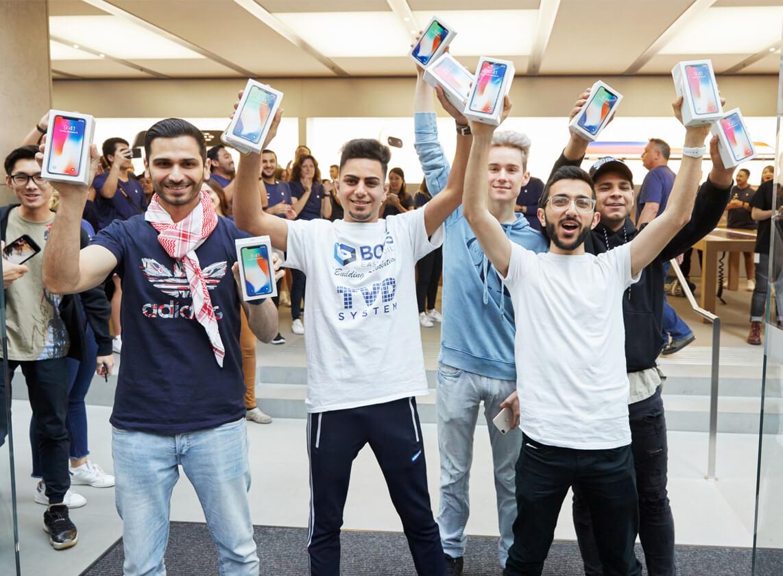 iPhoneX-Launch-GeorgeStreet-Sydneyの写真