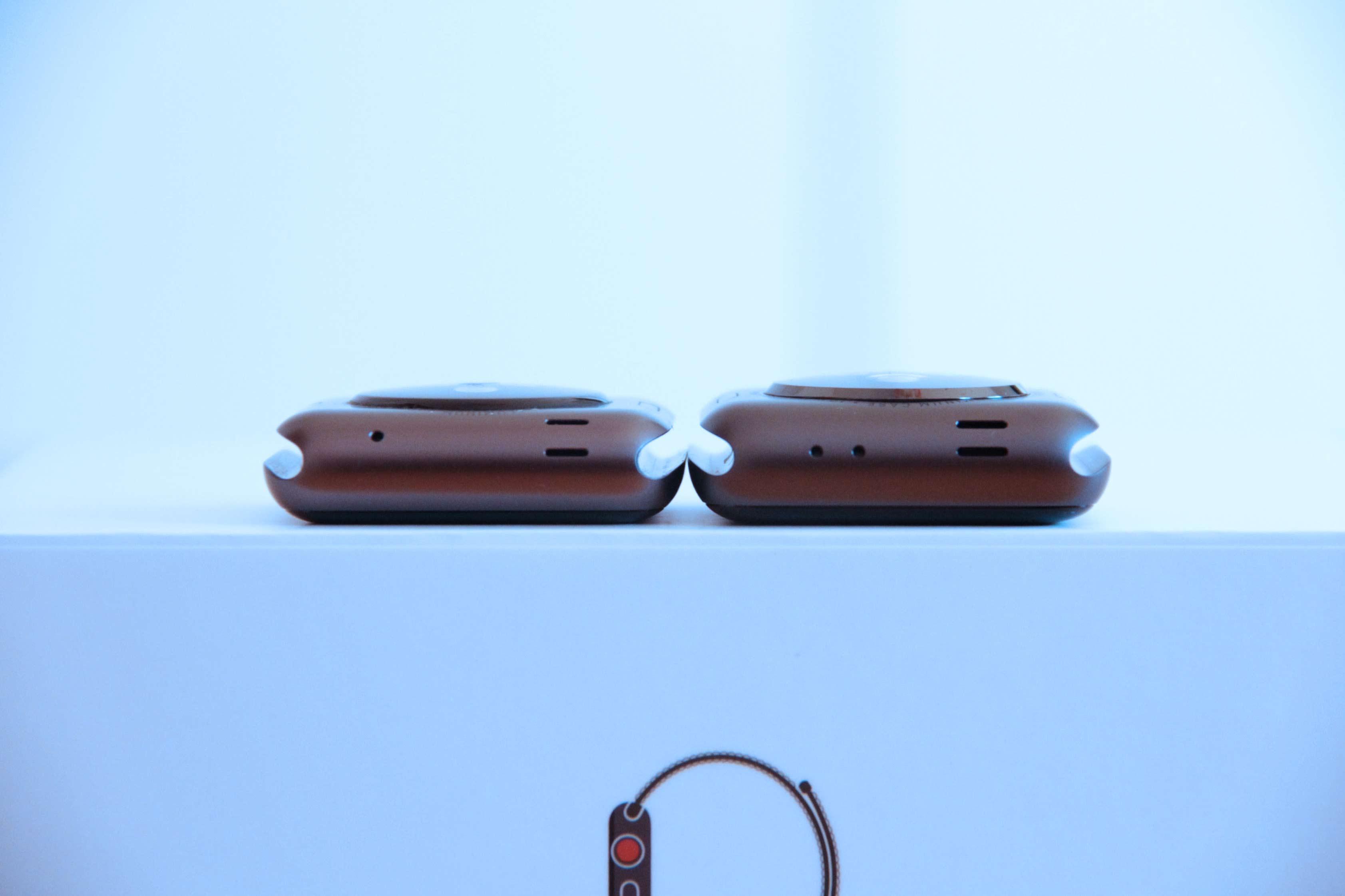 AppleWatch初代とseries3の大きさの違いの写真