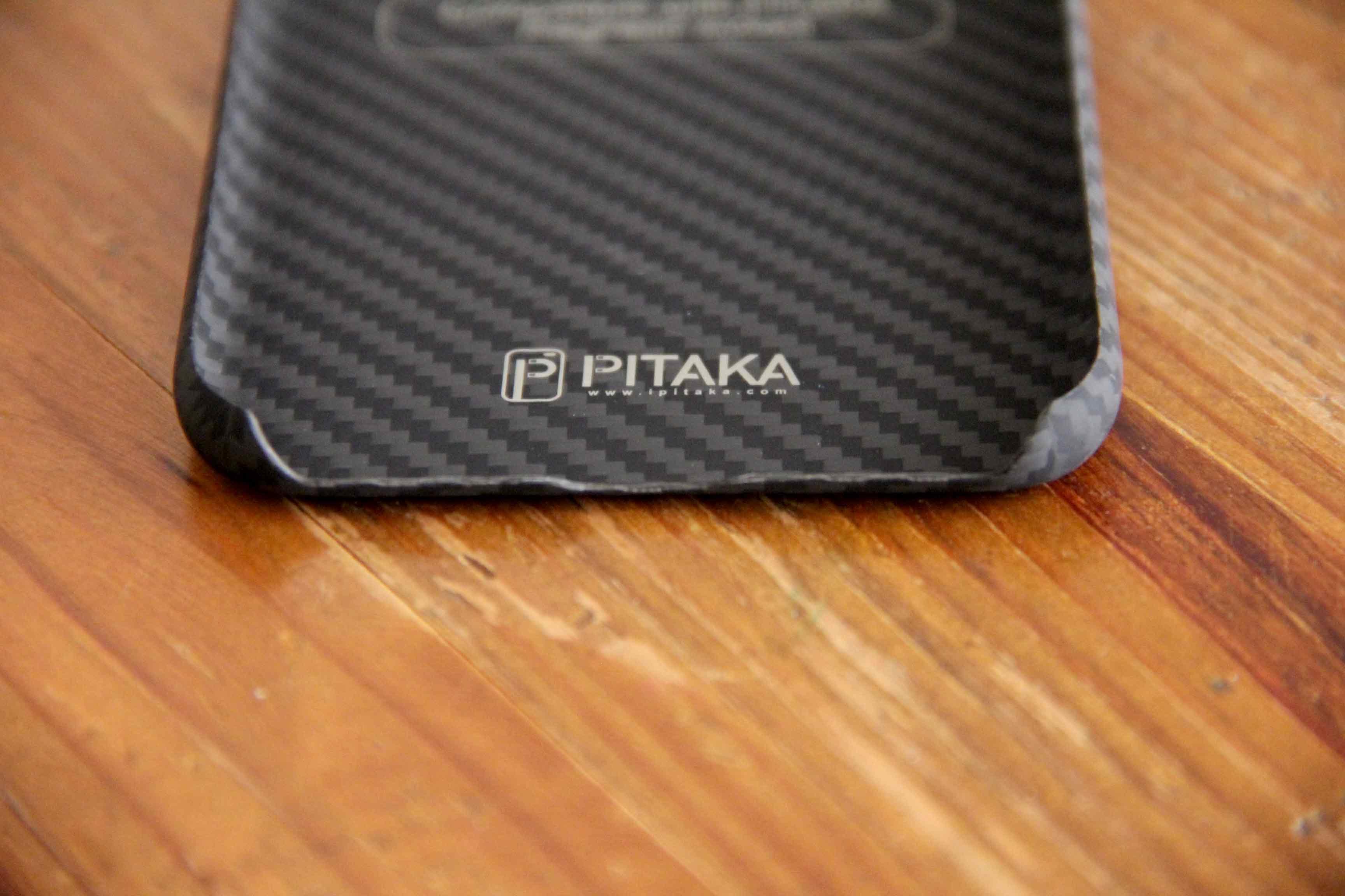 PITAKA iPhoneXケース下部の写真