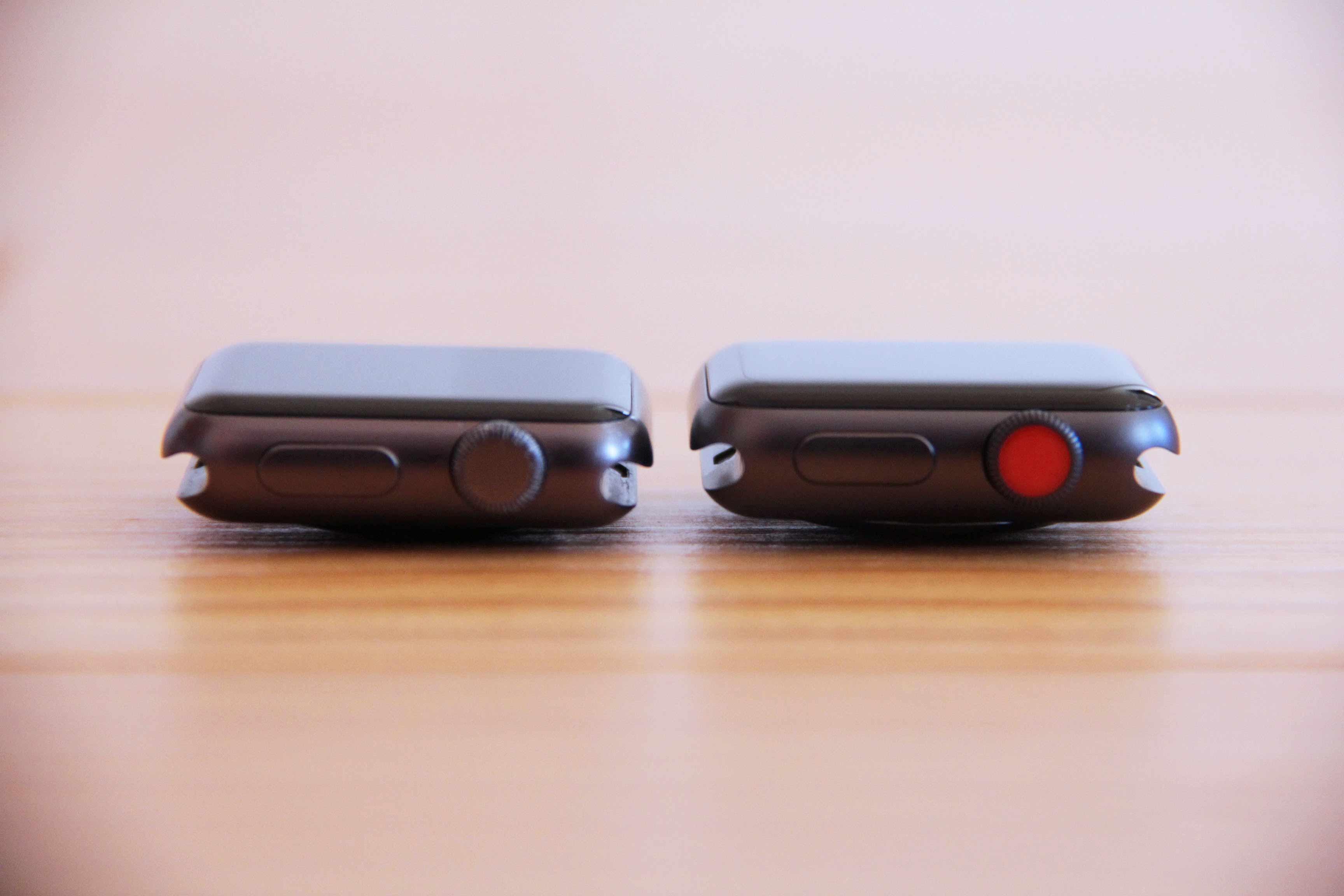 AppleWatchseries3と初代のデザインの違いデジタルクラウンの写真