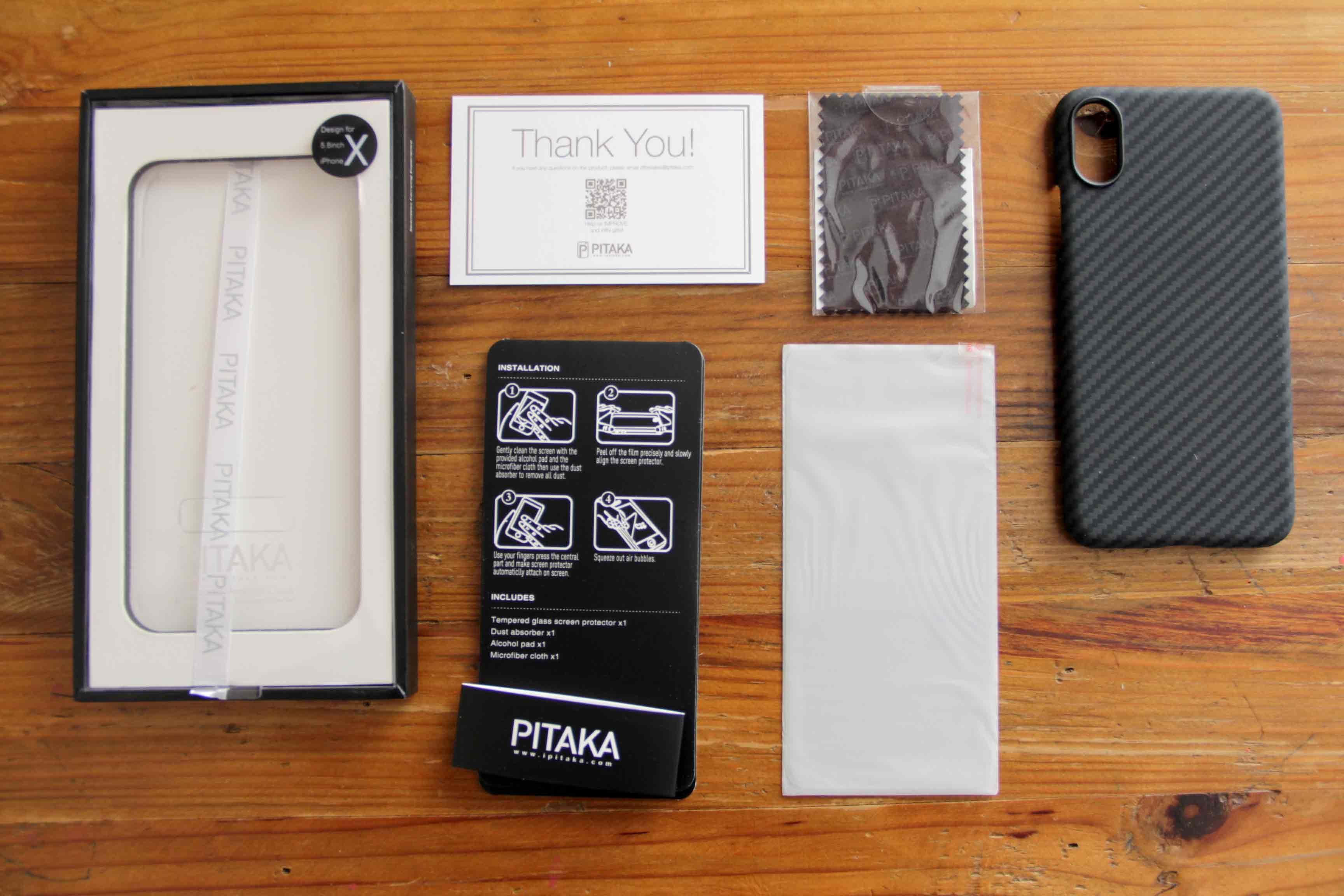 PITAKA iPhoneXケース同梱物の写真