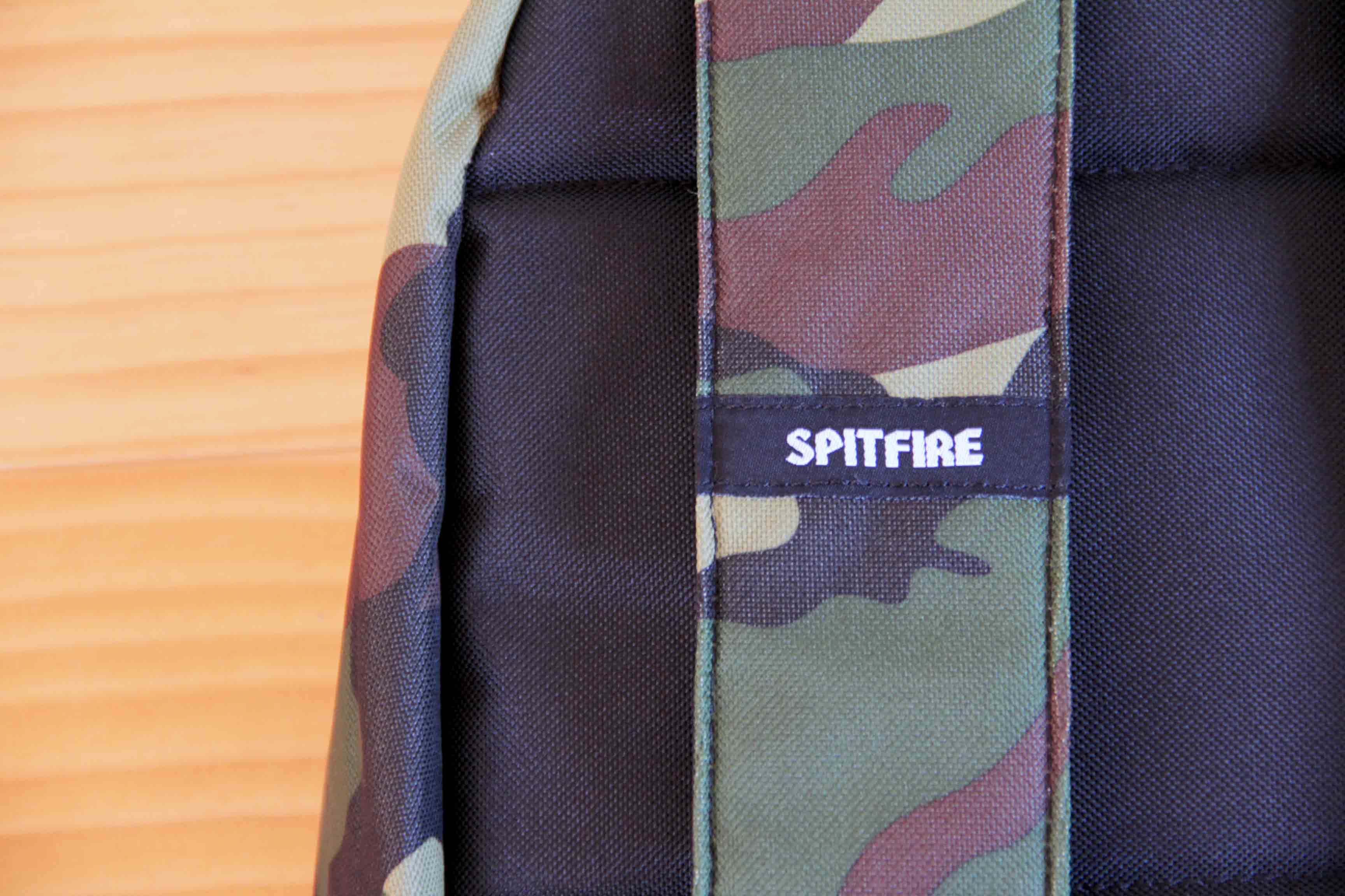 SPITFIRE CLASSIC BACKPACK「SPIT FIRE」のロゴの写真