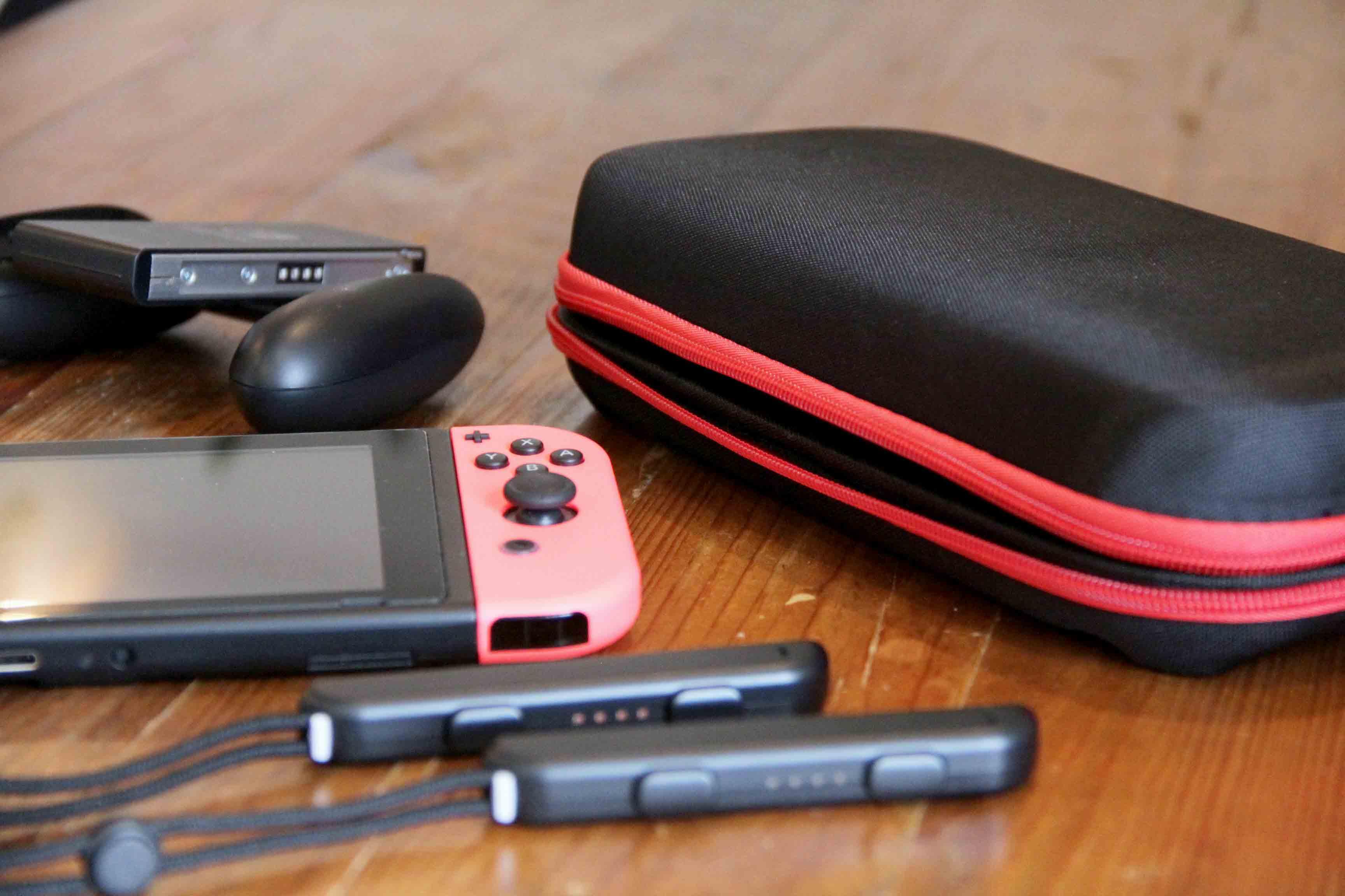 Nintendo switch保護キャリングケース/ハードケースの写真