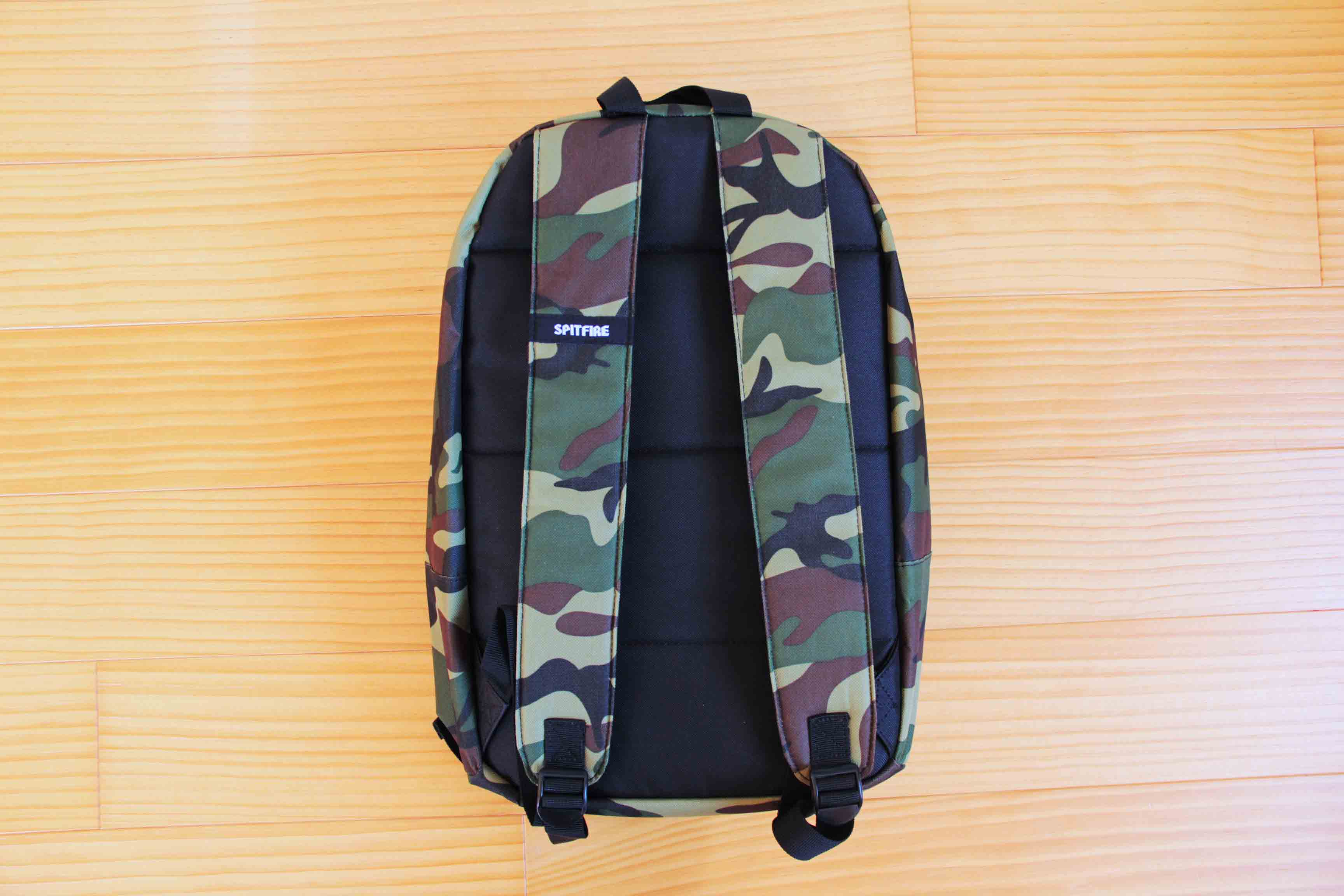 SPITFIRE CLASSIC BACKPACK背面の写真