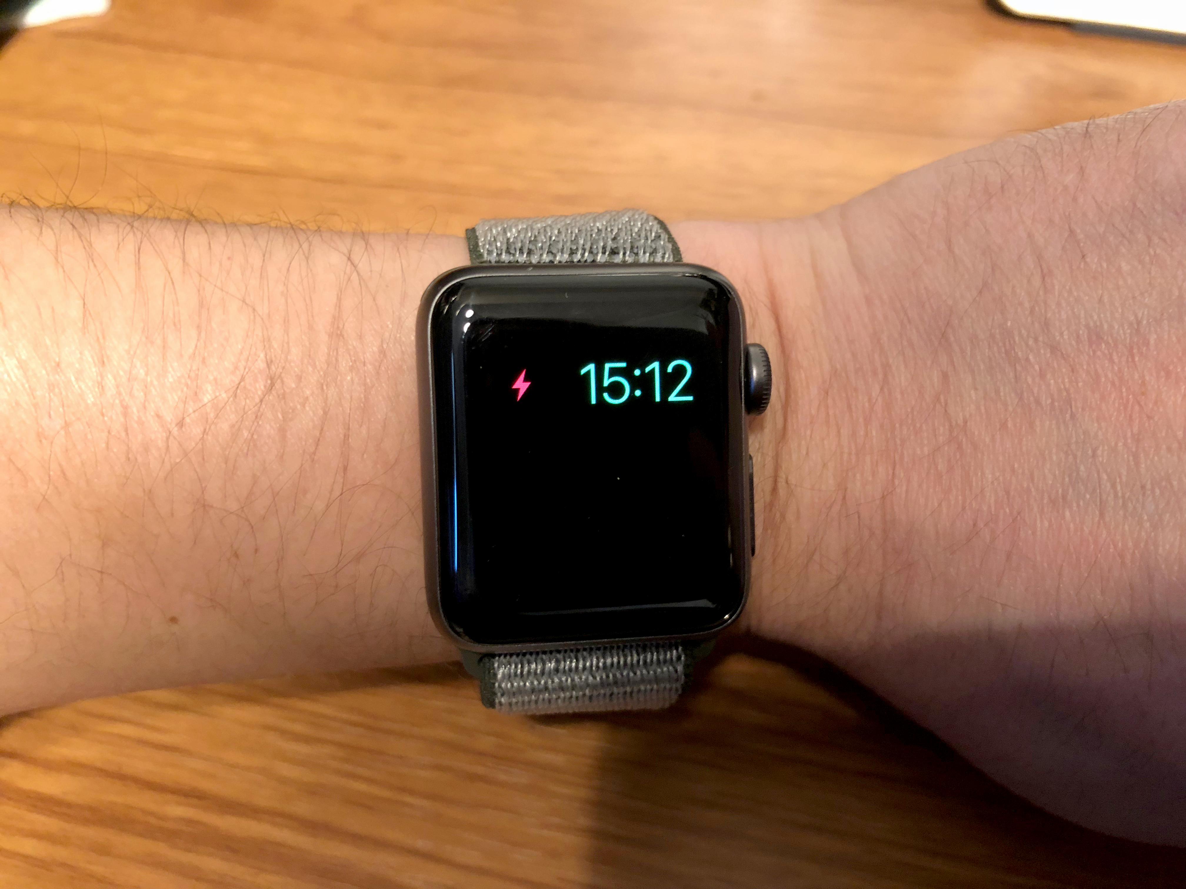 AppleWatchバッテリーに関する写真2