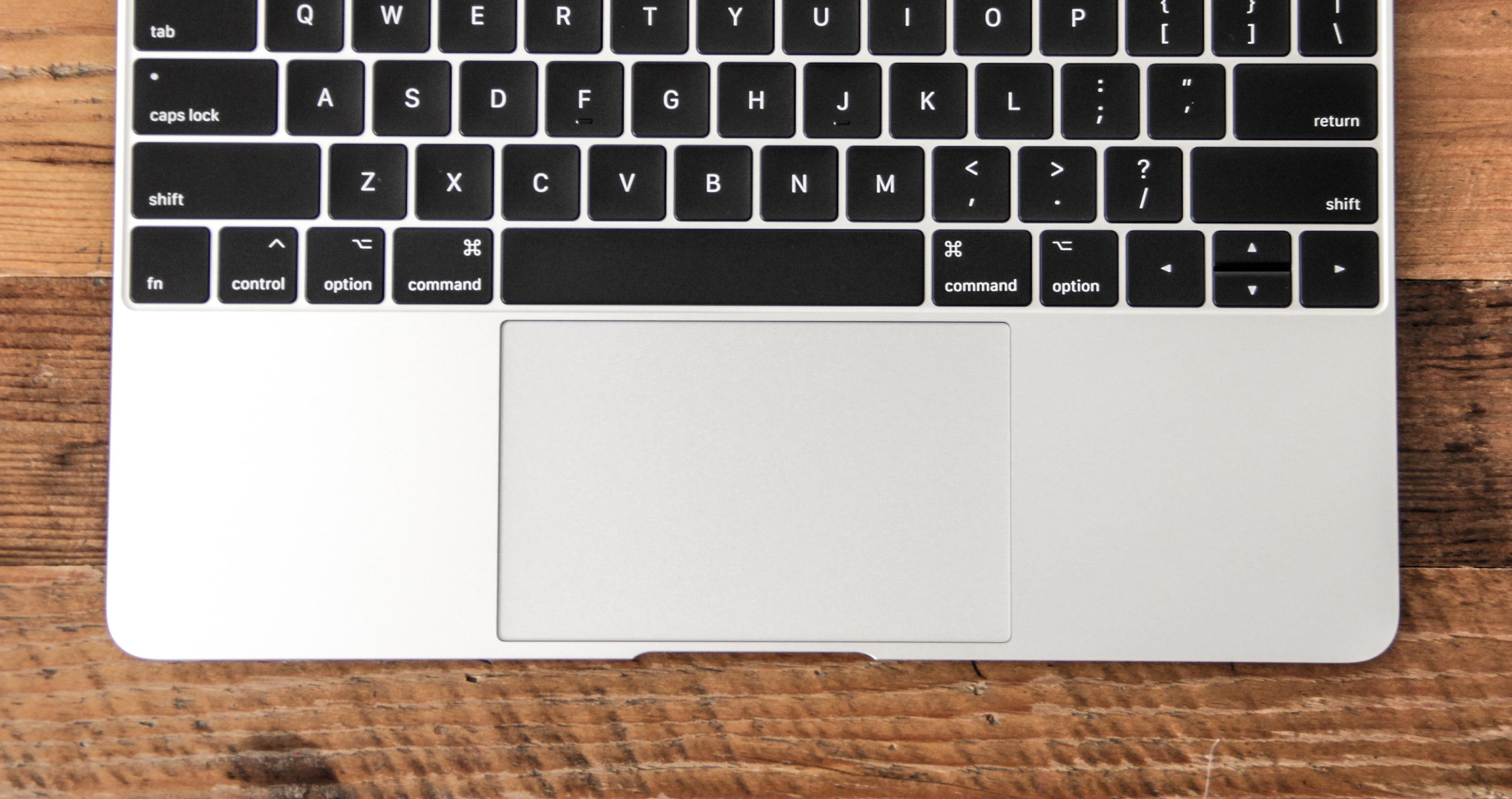 MacBook12インチのトラックパッドの写真