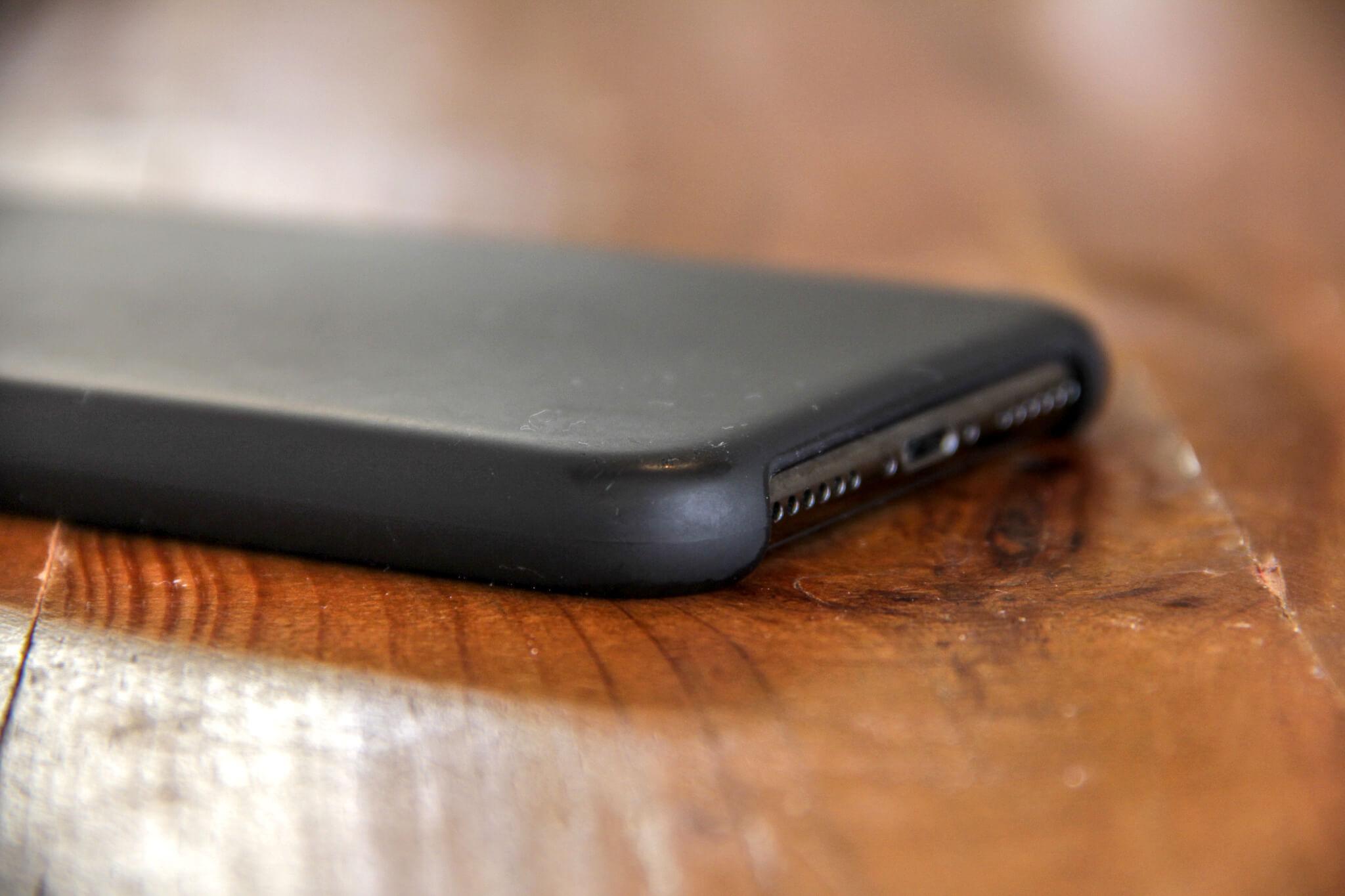 iPhoneXApple純正シリコンケースの写真12