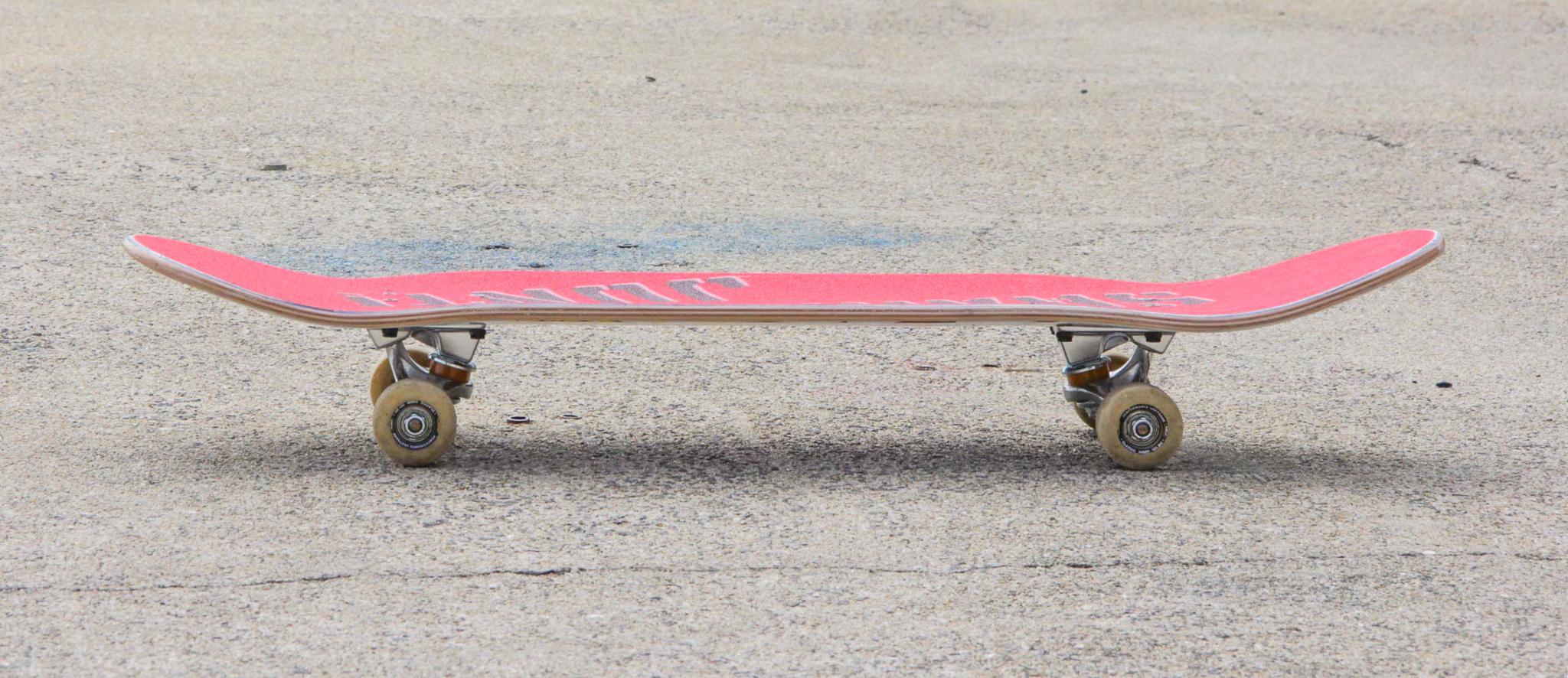 スケートボードのデッキの写真