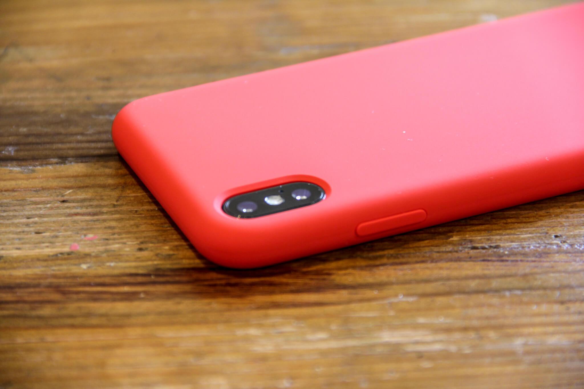 iPhone X Jasbon シリコンケース外観カメラ開口部の写真