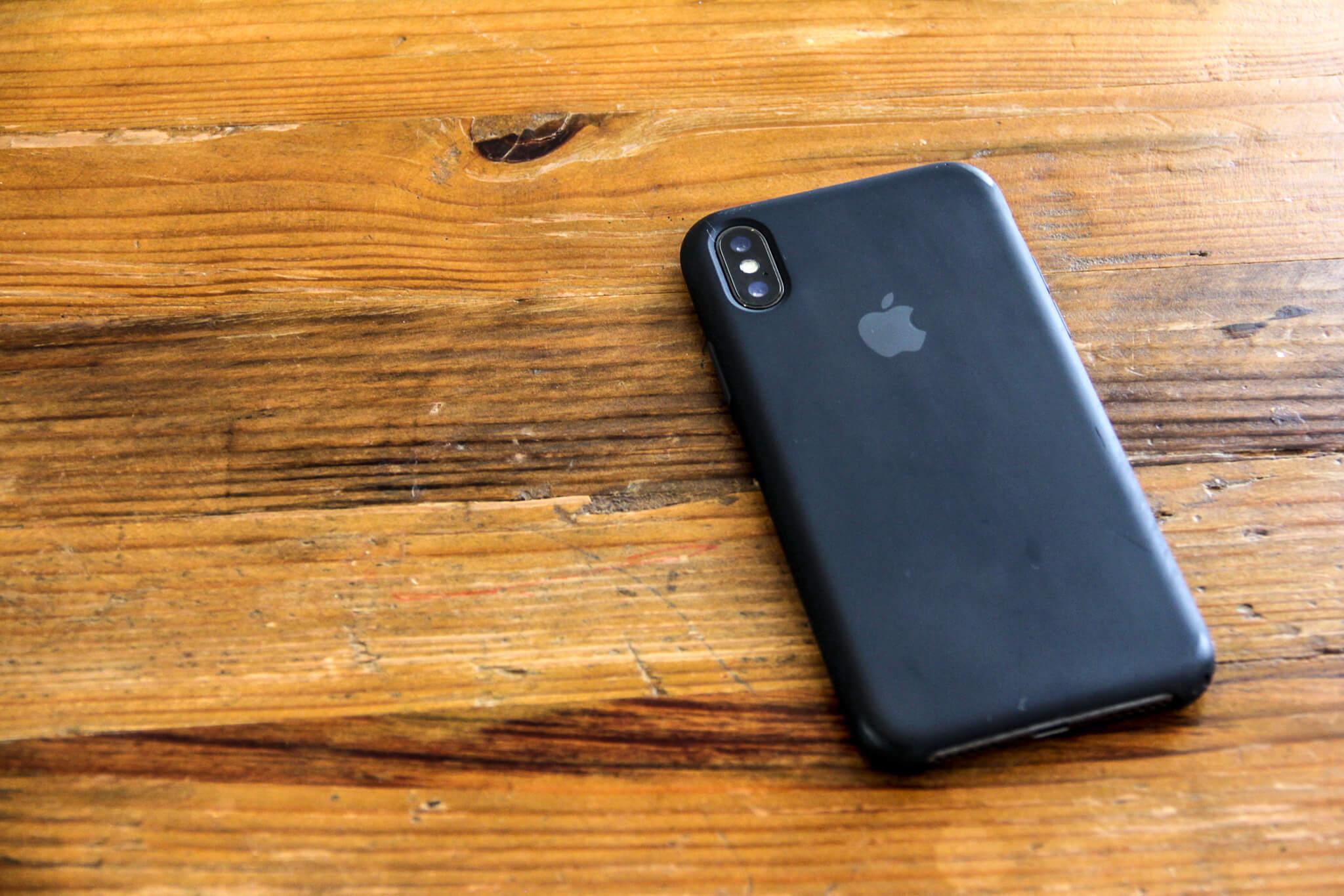 iPhoneXApple純正シリコンケースの写真2