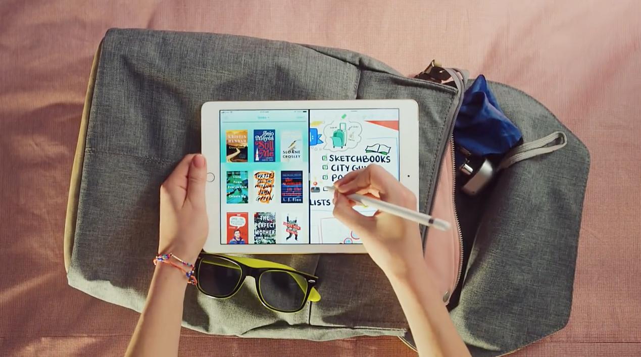 iPadで旅行時の荷物のチェックリストを作っている画像