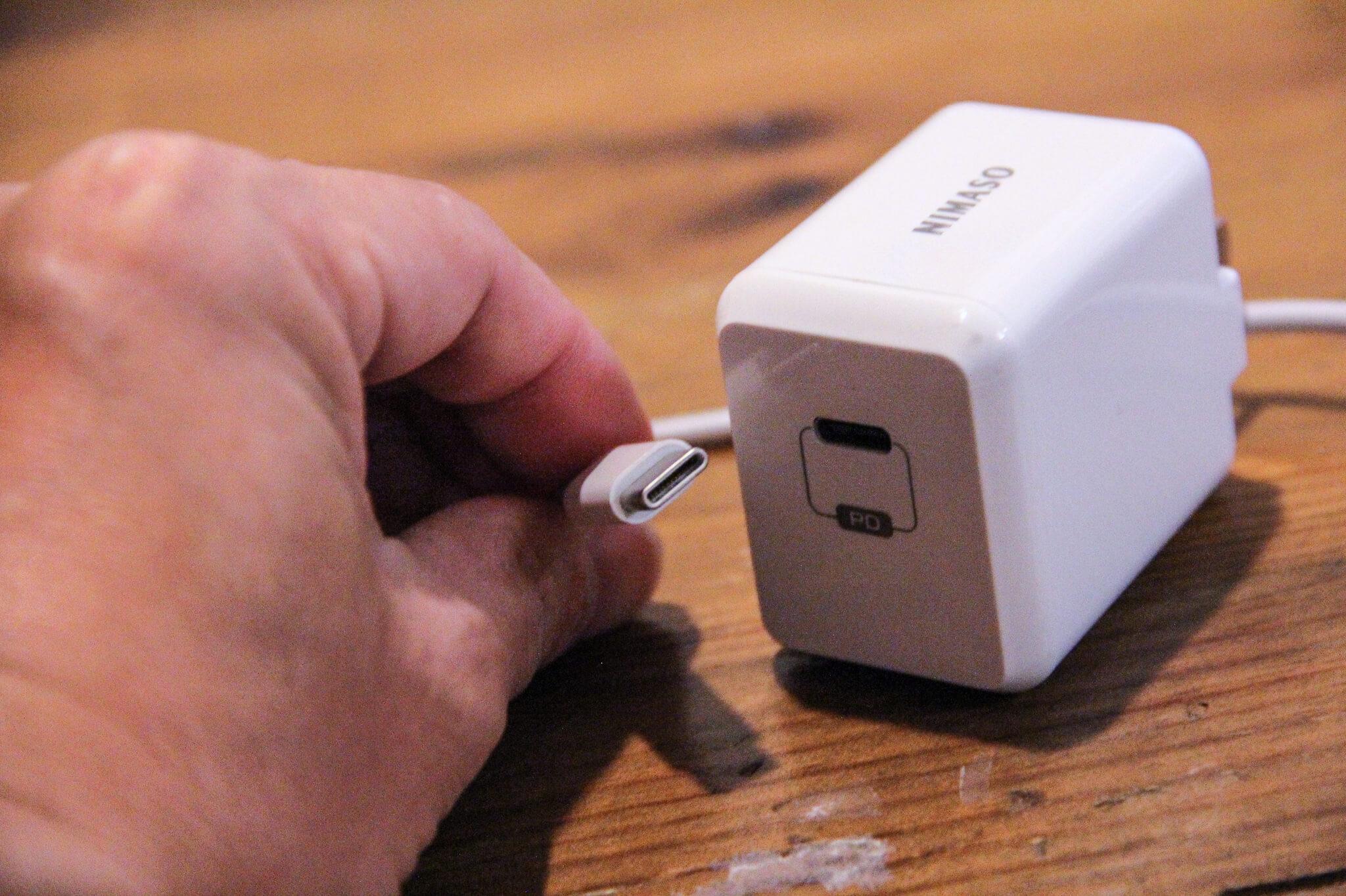 """""""USB Type-C⇔Lightning""""のケーブル"""