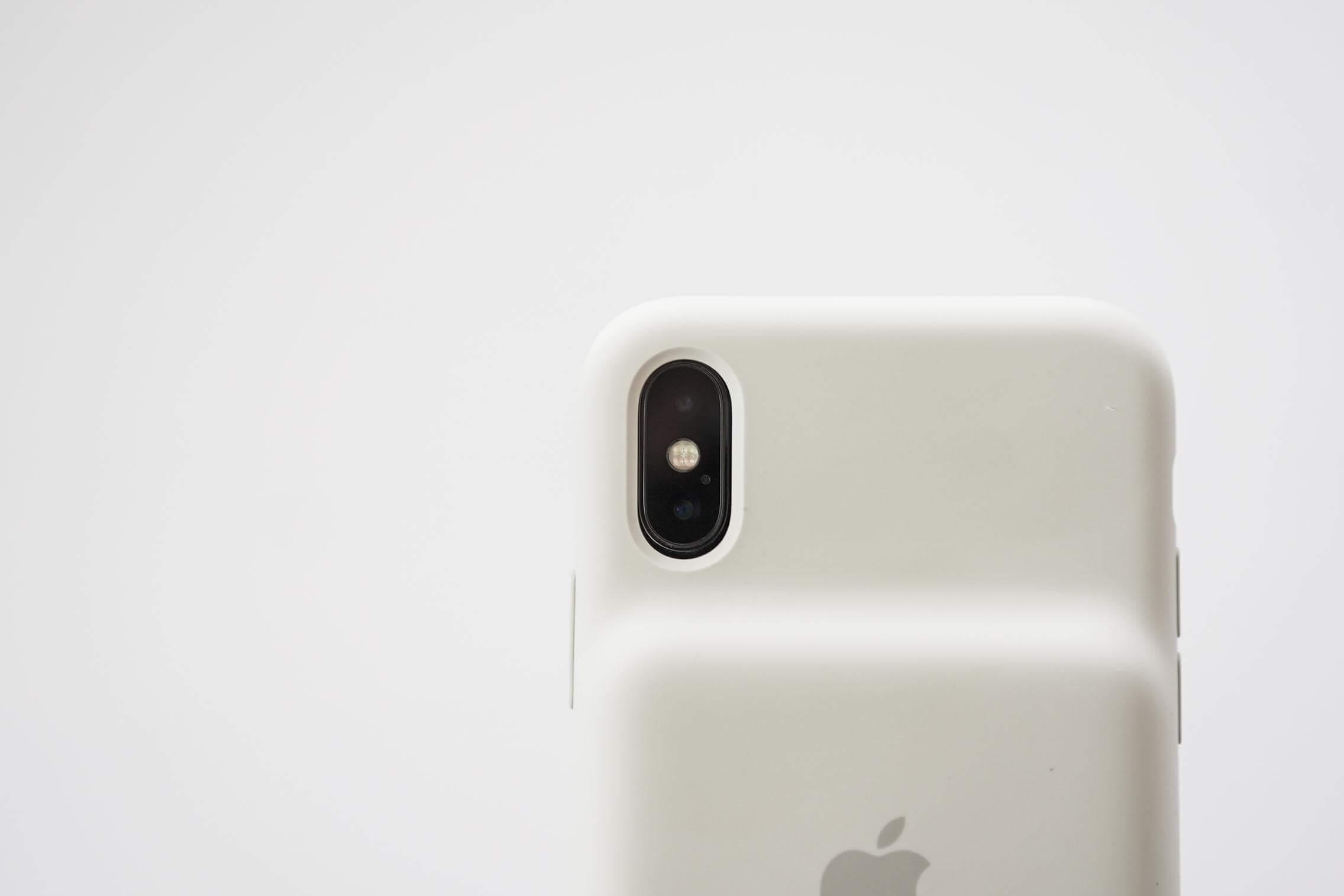 iPhone XS Smart Battery Case カメラ開口部分2